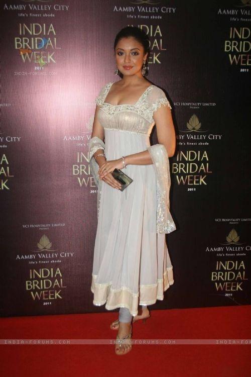 Tanushree Dutta in Silver White #LongAnarkali