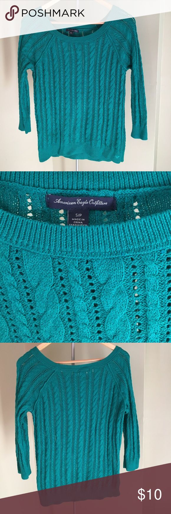 American Eagle Outfitters sweater AE outfitters sweater in a beautiful forest green color. Size s American Eagle Outfitters Sweaters Crew & Scoop Necks