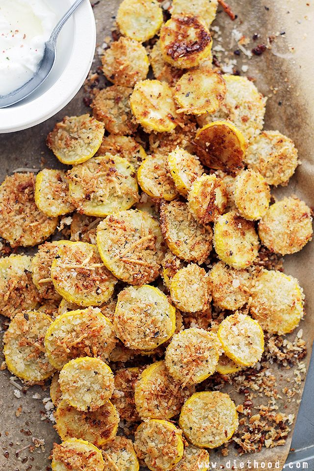 Garlic Parmesan Yellow Squash Chips by diethood: A healthy snack or appetizer that is incredibly flavorful, crispy, and absolutely delicious. #Yellow_Squash_Chips