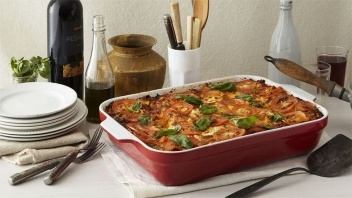 Emile Henry Lasagna Pan (3.8 Quart) by