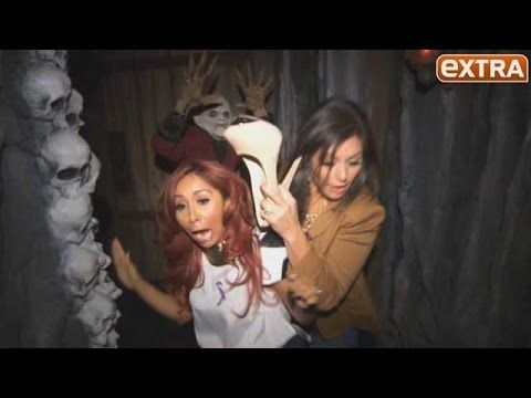 Snooki and JWoww Freak Out at Universal's House of Horrors - YouTube So funny I love them.