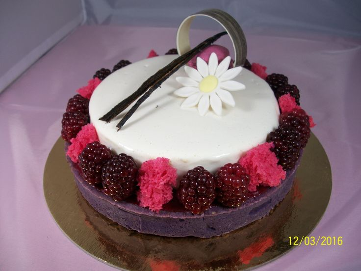 181 best images about mes patisseries on pinterest for Decoration entremet