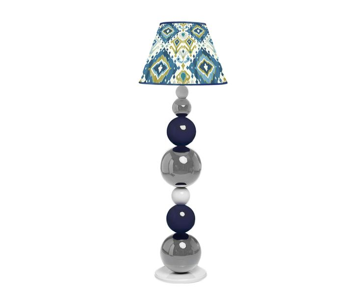 Drewniana, toczona lampa podłogowa malowana na wysoki połysk. Możliwa modyfikacja: kolorów (paleta RAL) oraz tkaniny abażuru.   This monumental wooden lamp will be a jewel in your home! Regardless of where you put it- the best design will decorate every room. Excellent handmade work combined with sophisticated design and high quality materials create absolute perfection. You can choose the colour of the balls and fabric of the lampshade.