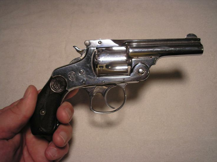 break-open revolvers | This .32-caliber Smith & Wesson ...