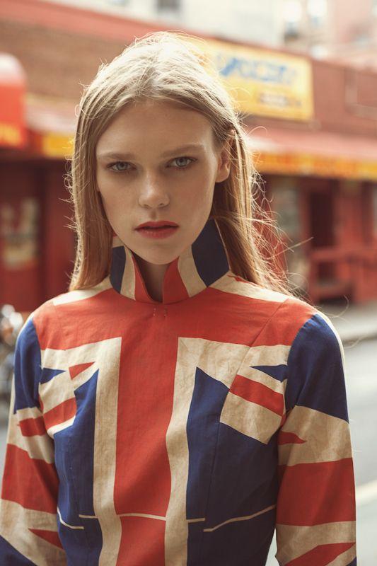 I love fashion that incorporates the Union Jack. #pearllang #beBritish