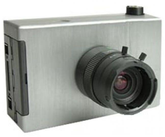 Tetracam ADC Micro マルチスペクトラムペイロードシステムは2軸安定化ブラシレスジンバルに装着して機体に据え付けられます。ワイヤレス デジタルビデオダウンリンクも装置に含まれます。 - 3.2メガピクセル CMOSセンサー搭載 (2048 x 1536 ピクセル) - TM2,TM3及びTM4にほぼ等しい帯域を持った緑,赤、及び近赤外線感度 - Tetracam DCM無損失フォーマットでの、コンパクトフラッシュへの画像データ保存 - 頑丈なアルミ筐体 - 入手可能な多数のレンズと互換性のあるCSレンズマウントシステム - カメラは8.5mmレンズ付きで納入 - 光学4.5~10mmバリフォーカルレンズも使用可能 - AAサイズバッテリーを8個使用 - USBインターフェイス装備 - Tetracam VideoViewerアクセサリーを使用出来るマルチピンI/Oコネクタ