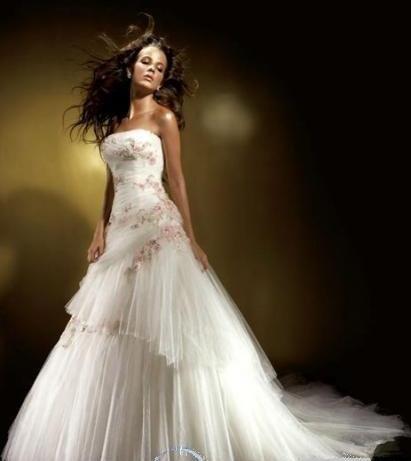 Сонник видеть кого то в белом платье с красными цветами