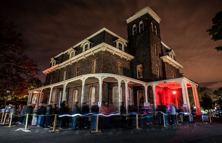 Who Invented the Haunted House - The DIY history of a Halloween tradition.