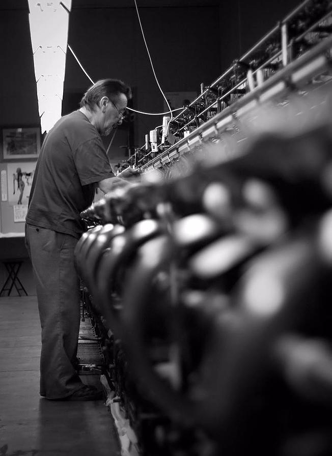 Fabrication de bas couture en nylon de la marque Cervin