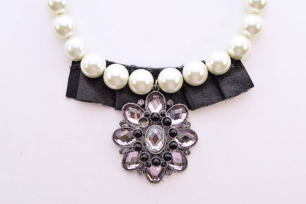 10 best toscana mignon cavriglia images on pinterest ph for Best glue for pearl jewelry