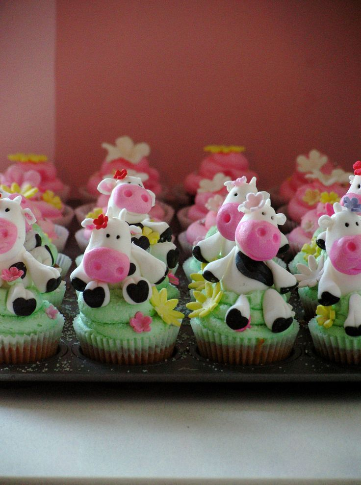 Cow Cupcakes (almost finished)   Phew...these took forever t…   Flickr