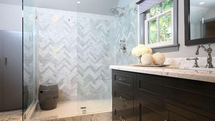 Jeff Lewis Designs: Bathroom Design, Jeff Lewis Design, Bathroom Vanities, Tile Shower, Marbles, Shower Tile, Gardens Stools, Herringbone Patterns, Master Bathroom