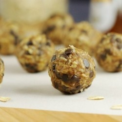 No-Bake Granola Bites.. I think I wanna try this with almond butter though, not peanut. We'll see!