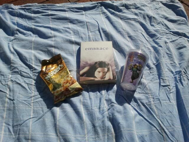 """""""My sunny picnic date with Embrace and some food :) #4winterflings"""" - MonicaLouiise (Twitter)"""