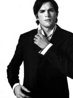 Ashton Kutcher: Food Recipes, Eye Candy, Celebrity, Famous People, Ashton Kutcher, Boys, Celebs, Handsome, Beautiful People