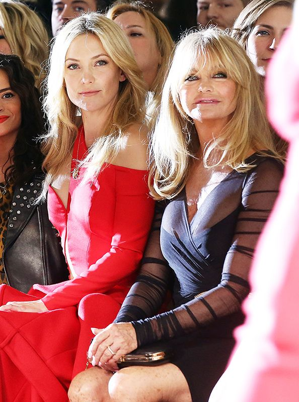 Kate Hudson and Mom Goldie Hawn Attend (and Wow!) at the Versace Couture Show Together  #InStyle