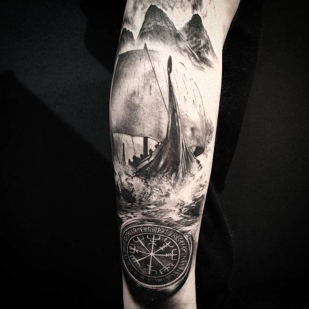 Viking Compass Vegvisir Tattoo Compass Tattoo Tattooideasbig Tattoosketches Vegvisir Vi In 2020 Scandinavian Tattoo Viking Tattoo Sleeve Wolf Tattoo Sleeve