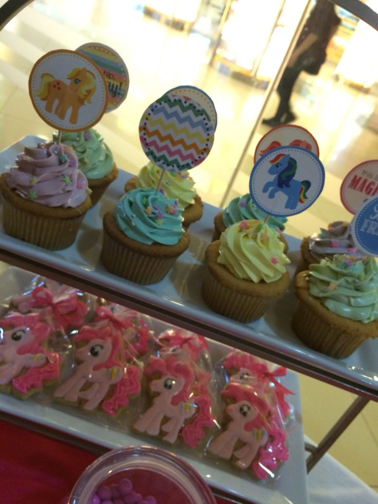 Cup cake & Cookies My Little Pony #cupcake #cookies # desserttable #birthdayparty #kids #girls