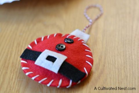 DIY felt Santa ornament                                                                                                                                                                                 More