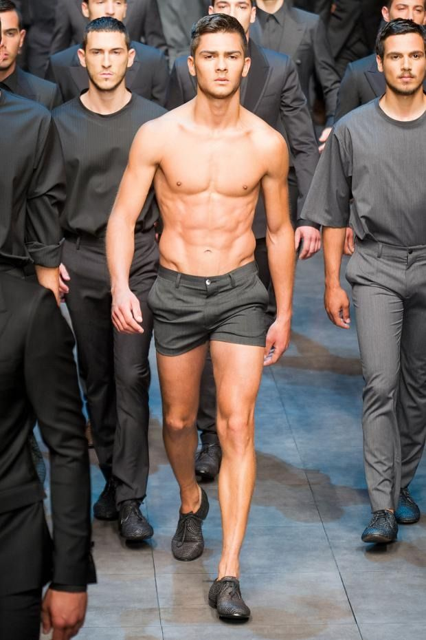 "Dolce Gabbana || Huy, me agrada el concepto ""short ejecutivo"" jajaja"