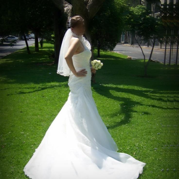 Vestido de novia seminuevo, corte sirena..  de remate en Guadalajara!  $8,000