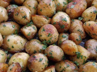 Kipróbált és bevált receptek: Sütőben sült újkrumpli petrezselyemzölddel