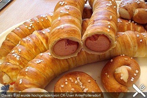 Wiener im Brezenteig (Rezept mit Bild) von hexengrelle | Chefkoch.de