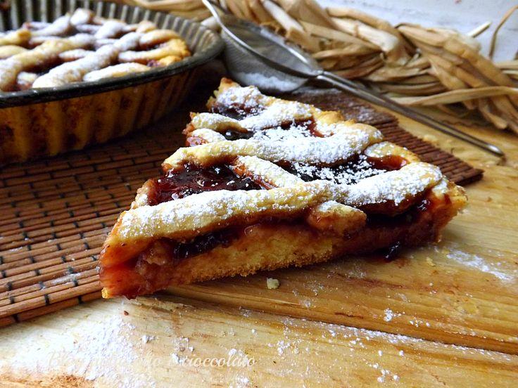 La Crostata con frolla di patate!! Un amore a prima vista!!Ho usato le patate per diverse preparazioni ma non credevo si potesse fare anche la frolla. E' u