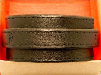 Кожаные браслеты одни из самых популярных аксессуаров, которые пользуются спросом среди молодых людей. Кожаные браслеты прекрасно подчеркива...