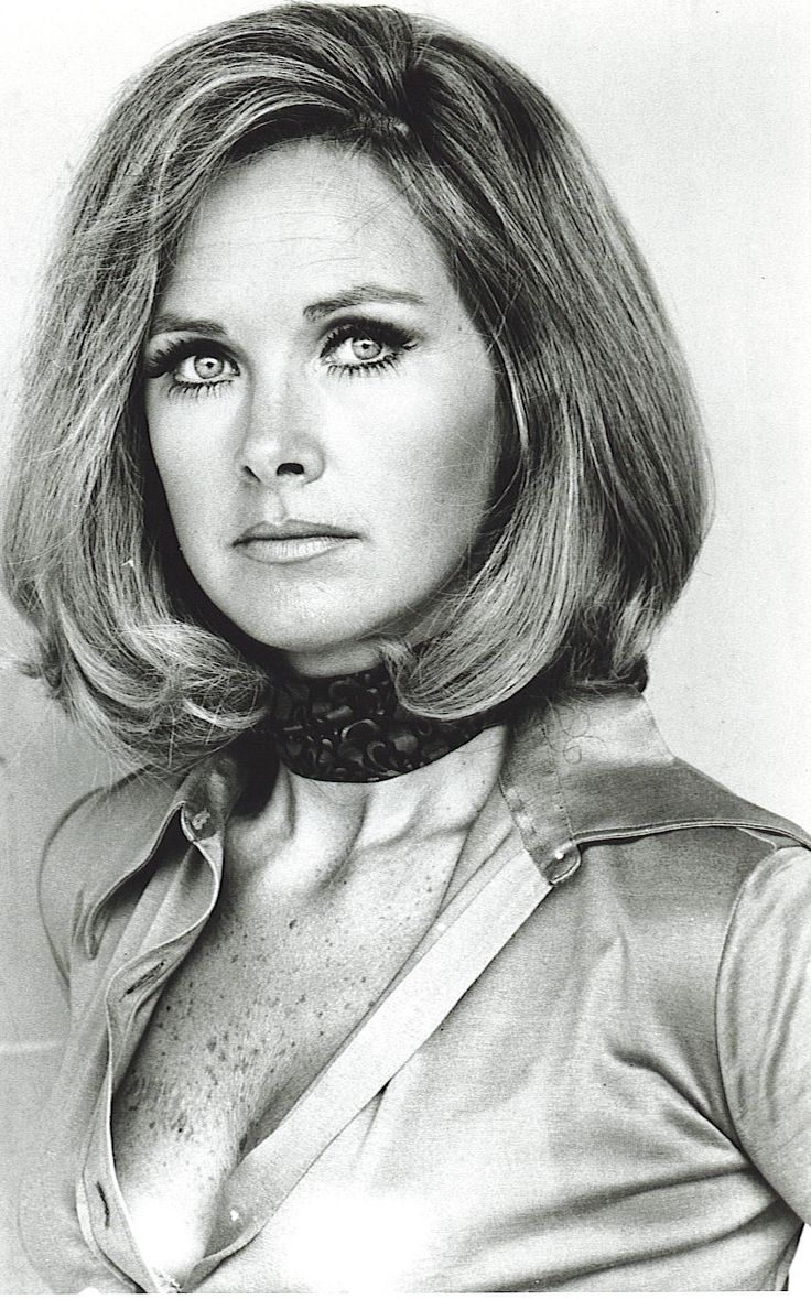 Wanda Ventham (mum of Benedict Cumberbatch) as 'Colonel Virginia Lake' in Gerry Anderson's 1970 science fiction series 'UFO'