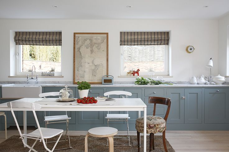 Eclectic Surrey kitchen by Armorel