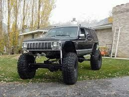 Lifted XJ Jeep Cherokee