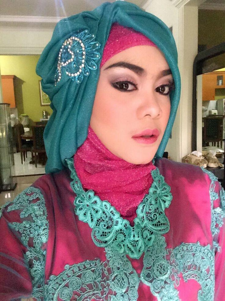Rias Wisuda - by Rias Pengantin Bekasi dNova - Photo Rias Wisuda Sdr. RINA