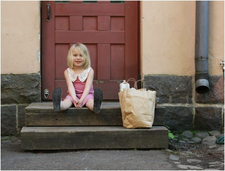 Liisa enjoying life @RiikanBlogi #Pitsimekko #Lacecollar