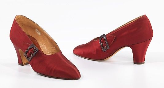 RED pumps, Costa, c. 1927. Brooklyn Museum Costume Collection at The Metropolitan Museum of Art.