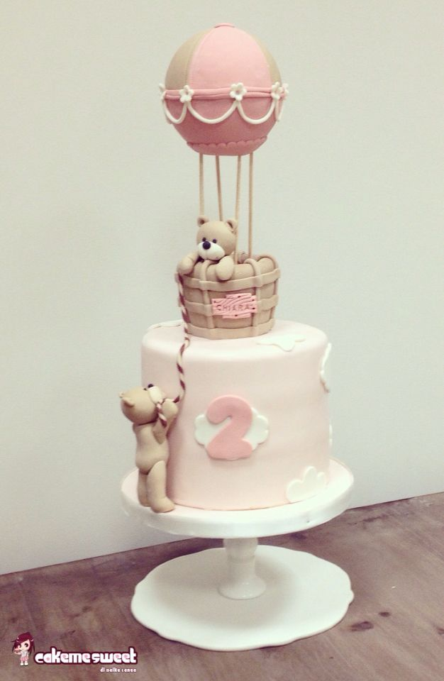 Up up in the Sky teddy cake by Cakemesweet di Naike Lanza  Www.cakemesweet.com