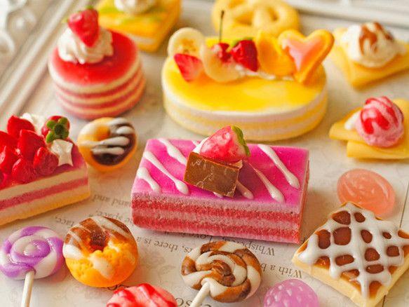 スイーツデコパーツ(H119) 18個入り ラズベリーケーキ、オレンジケーキ、ドーナツ、クレープ他