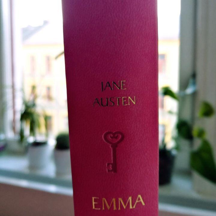 Emma by Jane Austen - Nothing beats a book and a hot drink. – Valerie Jean – en blogg av maja