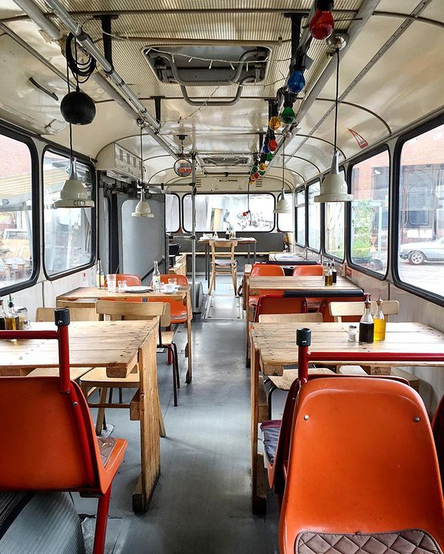 25 best ideas about oldtimer bus auf pinterest t1 bus t2 bus und vw oldtimer. Black Bedroom Furniture Sets. Home Design Ideas
