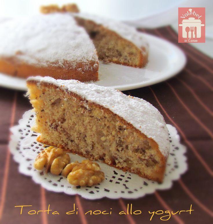Dal blog Valebel in cucina la ricetta della torta di noci allo yogurt: light e non troppo dolce ideale da inzuppare nel the o nel cappuccino