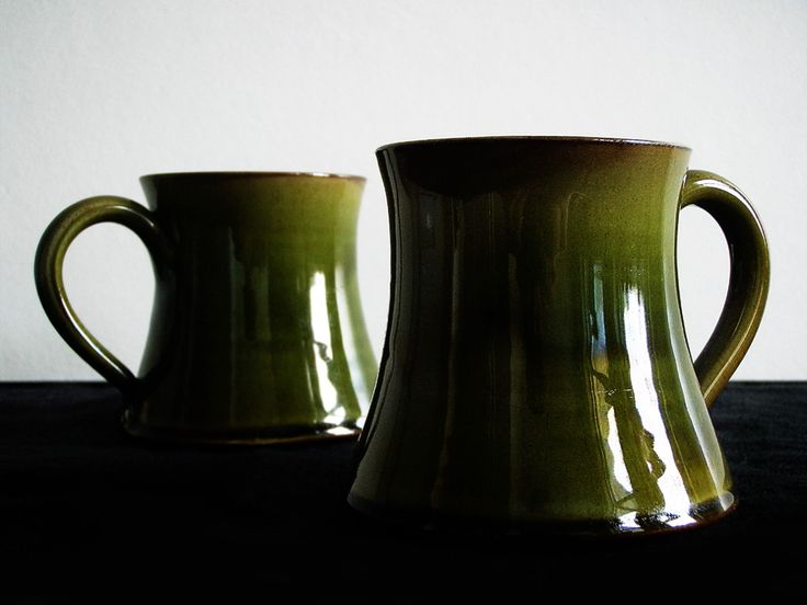 Wetheriggs Penrith / Hand Thrown Pottery / green mug / Kitsch n ware