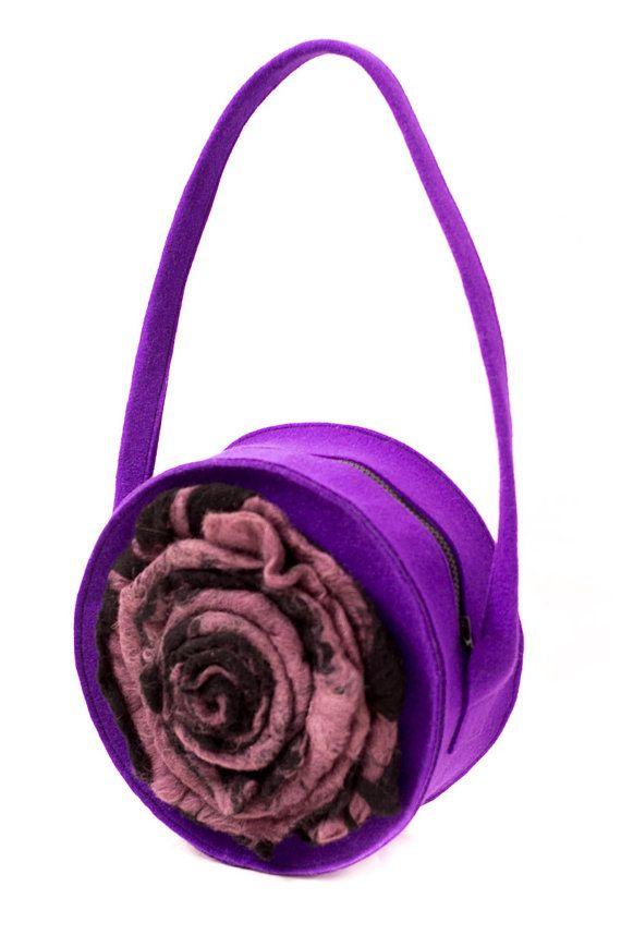 Round felt violet bag with big felted flower. Handmade by Anardeko