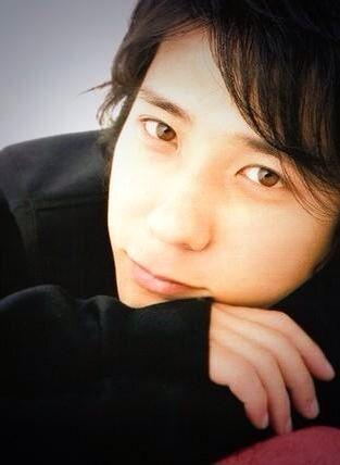 二宮和也..........love this pic, he looks so cute :D