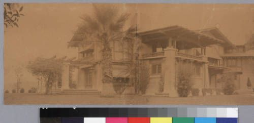 [Exterior: southeast, residence for Mrs. L. A. Robinson]. http://digitallibrary.usc.edu/cdm/ref/collection/p15799coll61/id/1122