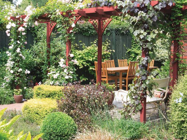 curved lattice sections will appear as arches in our long walkway pergola, as seen from the house.   make them out of willow to match the peeler log construction.