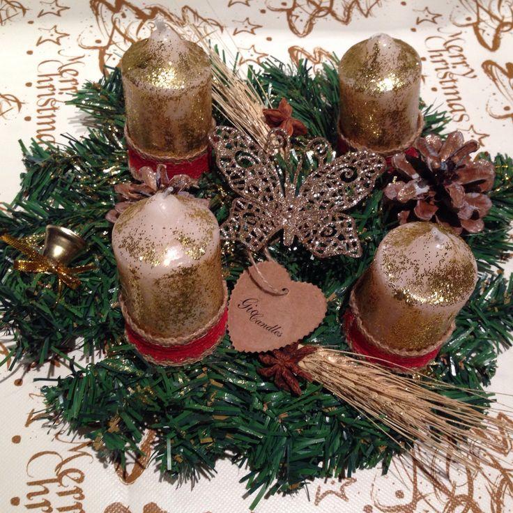 Centrotavola natalizio in versione dorata per illuminare la vostra tavola durante le feste. Affrettatevi a fare i vostri acquisti natalizi!