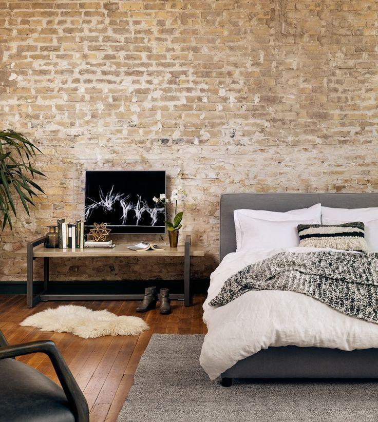 (https://www.zinhome.com/gardiner-low-profile-upholstered-king-platform-bed/)