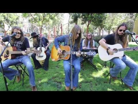 "▶ Blackberry Smoke ""Pretty Little Lie"": South Park Sessions (live) - YouTube"
