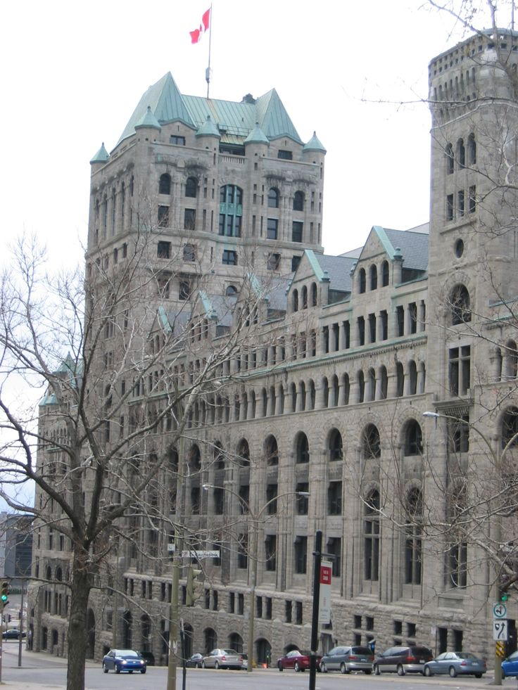 MONTRÉAL, Québec - Outsider Windsor Station-Gare - CPR-NYC - Beaux Arts Style architecture OL