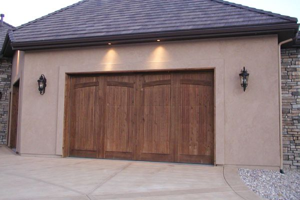 San Diego homeowners have a variety of visual options when it comes to decorating with garage doors. The garage door can be an integral part of a home's exterior and can either blend with the architectural scheme or stand out as an element in its own right. Custom Garage Door Systems offers a number of garage door styles and options to give homeown...